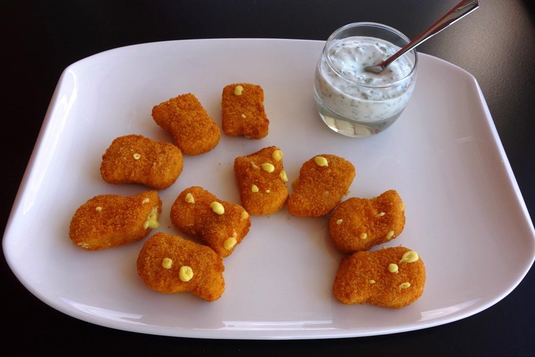 Gold Nuggets Cheese mit Kräuterdip