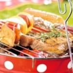 """Tragbarer Grill """"Fröhliche Tupfen"""" von Spiegelburg für jede Grillparty"""