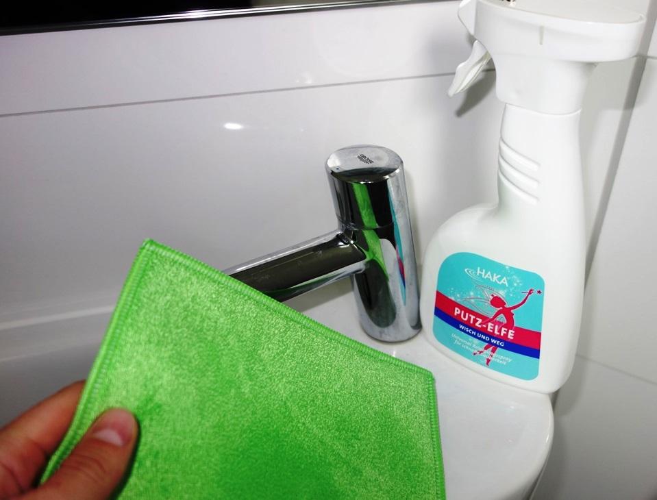 putzen waschen pflegen mit haka reinigungsprodukte im test testgiraffe de. Black Bedroom Furniture Sets. Home Design Ideas