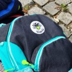 Sicher unterwegs mit Twinkle Kid – Reflektierende Mützen und Rucksäcke