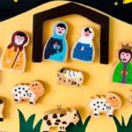 Holz-Adventskalender für Kinder von El Puente